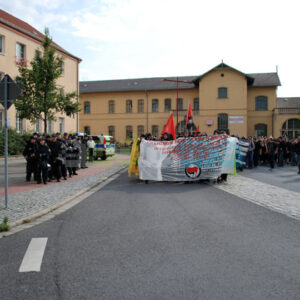 Die Demonstration setzt sich in Bewegung