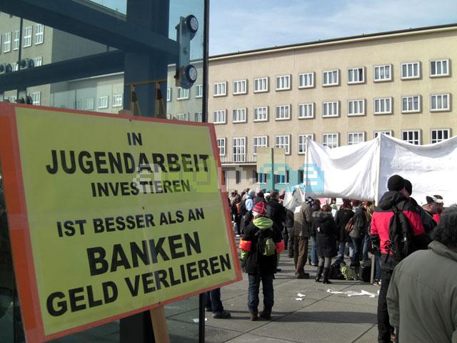Protest gegen die Kürzungen im Jugendsektor