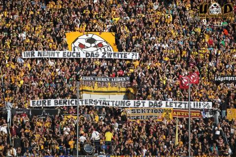 Spruchband von Ultras zur Berichterstattung des ZDF (Quelle: Ultras Dynamo)