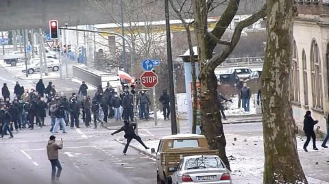 """Naziangriff auf das alternative Wohnprojekt """"Praxis"""" am 19. Februar 2011"""