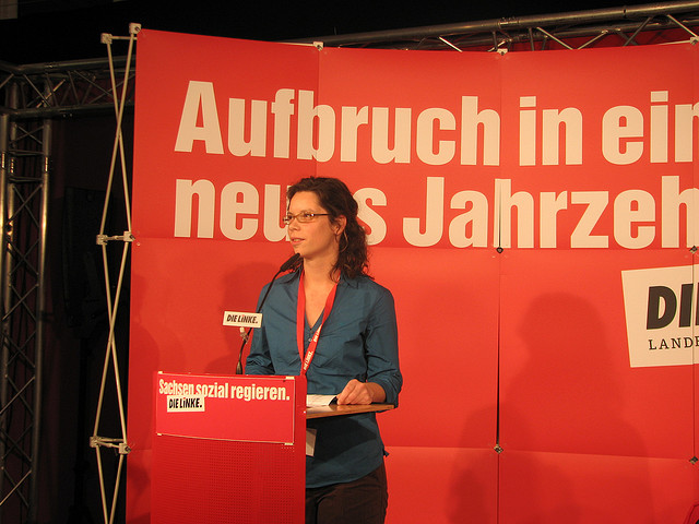 Antje Feiks kritisiert das Vorgehen der Polizei (Quelle: flickr.com/photos/dielinke-sachsen/)