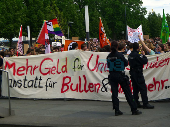 Tausende Menschen bei Bildungsprotesten im Mai