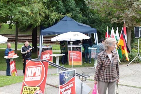 Kaum Zulauf: Der NPD-Infostand in Gorbitz