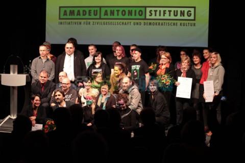 Gruppenfoto der Nominierten des diesjährigen sächsischen Demokratiepreises