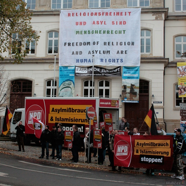 Kundgebung der NPD in Pirna (Quelle: AKuBiZ e.V.)