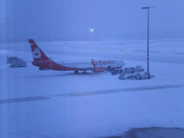 Abschiebung am Flughafen Dresden-Klotzsche (Quelle: namf.blogsport.de)