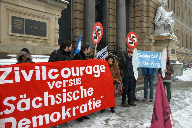 Protestkundgebung am 19. März vor dem Landgericht (Quelle: flickr.com/photos/dielinke-sachsen/)