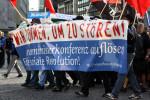 Demonstration gegen die Innenministerkonferenz in Frankfurt am Main 2011 (Quelle: flickr.com/photos/agfreiburg/)