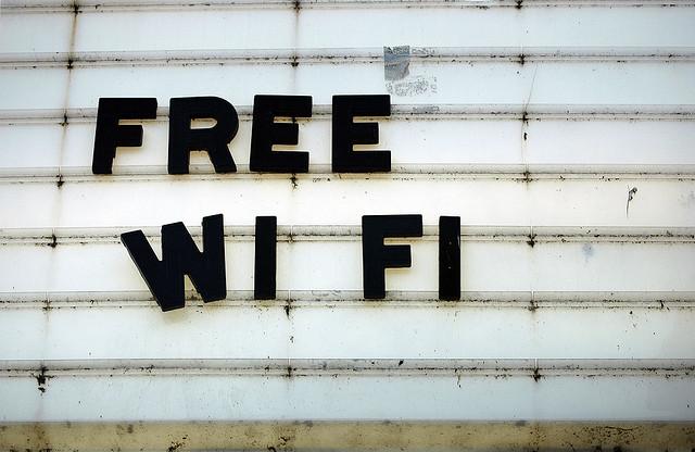 Free WIFI demnächst auch im Alaunpark (Quelle: flickr.com/photos/suttonhoo22/)