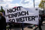 """""""Nicht einfach so weiter"""" - Fight Racism (Quelle: flickr.com/photos/strassenstriche/)"""
