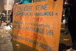 Protestplakat auf dem Dresdner Theaterplatz (Quelle: flickr.com/photos/mf-art/)
