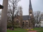 Die Himmelfahrtskirche in Leuben (Quelle: flickr.com/photos/martinroell/)