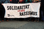 Solidarität statt Rassismus (Quelle: flickr.com/photos/strassenstriche/)