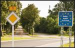 Deutsche Grenze an der Bundesstraße B1 (Quelle: flickr.com/photos/verborrea/)