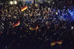 PEGIDA sorgt seit einem Jahr jede Woche für Unruhe in der Stadt (Quelle: flickr.com/photos/110931166@N08/)