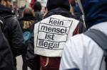 Kein Mensch ist illegal (Quelle: flickr.com/photos/110931166@N08/)