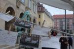 Postkartenaktion am Rande der Stadtratssitzung